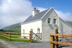 A traditional style 3 bedroomed farmhouse at Reen Ballinskelligs.