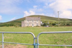FOR SALE AGRICULTURAL LAND, FARM BUILDINGS AND OLD FARMHOUSE And A SEPERATE OLD RUIN AT FERMOYLE, BALLINSKELLIGS