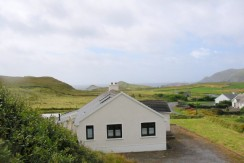 HOUSE FOR SALE AT REENCARAGH, PORTMAGEE