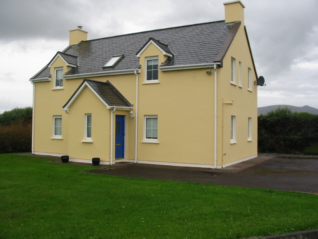 FOR SALE Detached House at Rivercrest, Waterville.