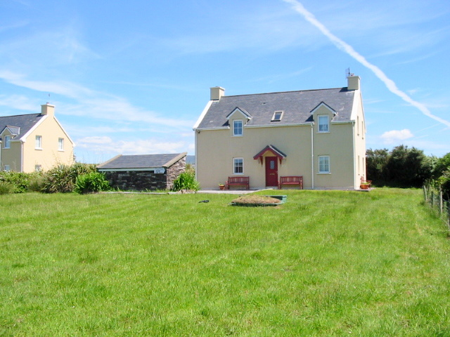FOR SALE – Detached House at 8 Rivercrest, Waterville.