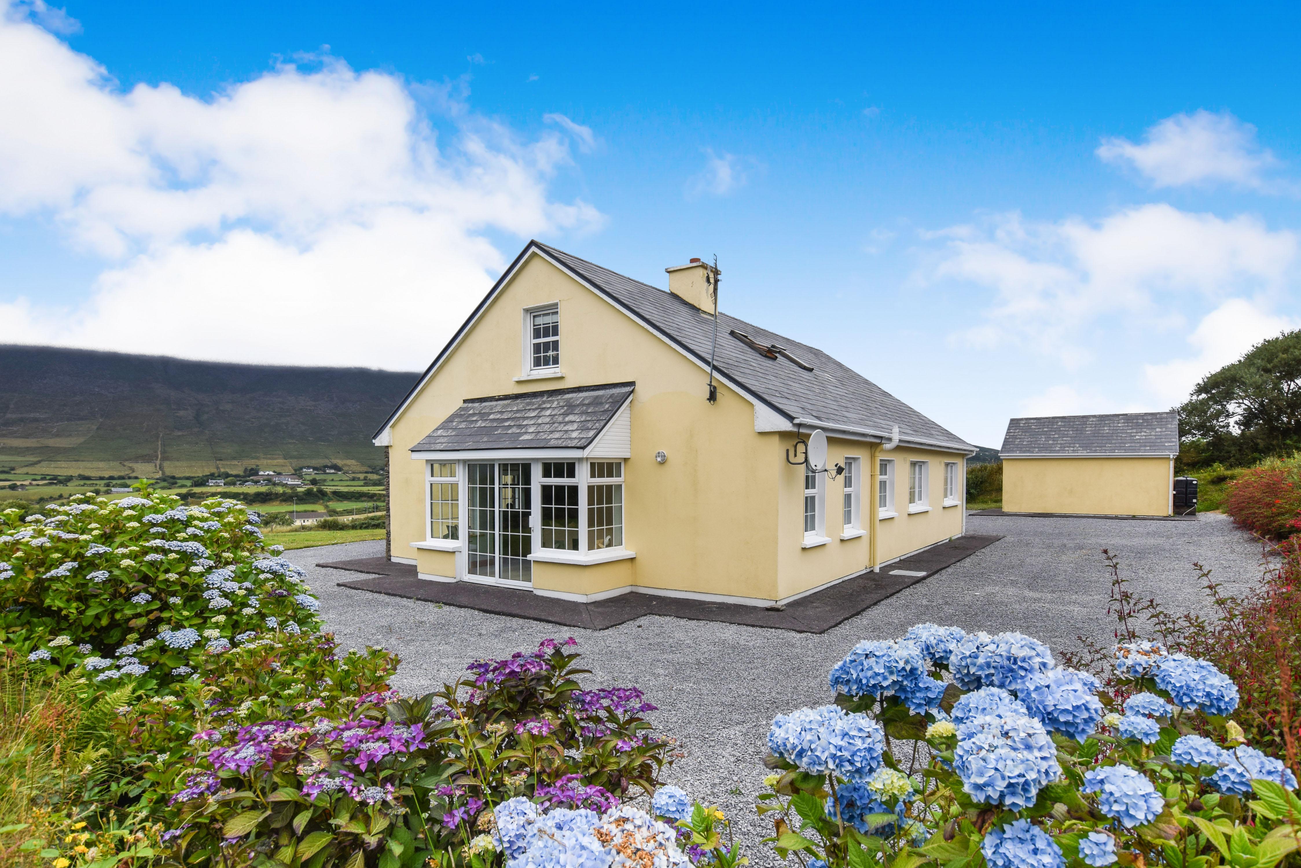 UNDER OFFER ~ CASTLEQUINN LODGE, Gortmore, Kells