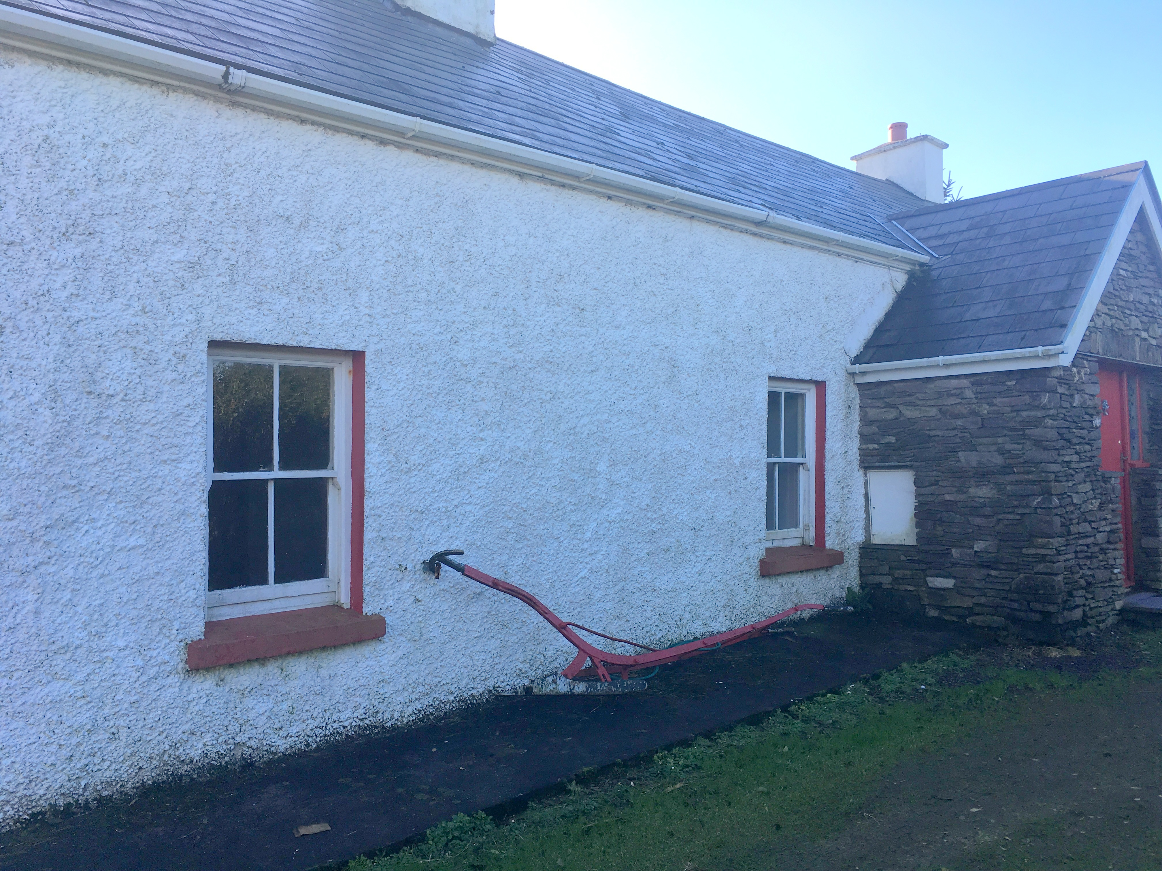 FOR SALE – Kelly`s Cottage ~ Garranafulla, Waterville.