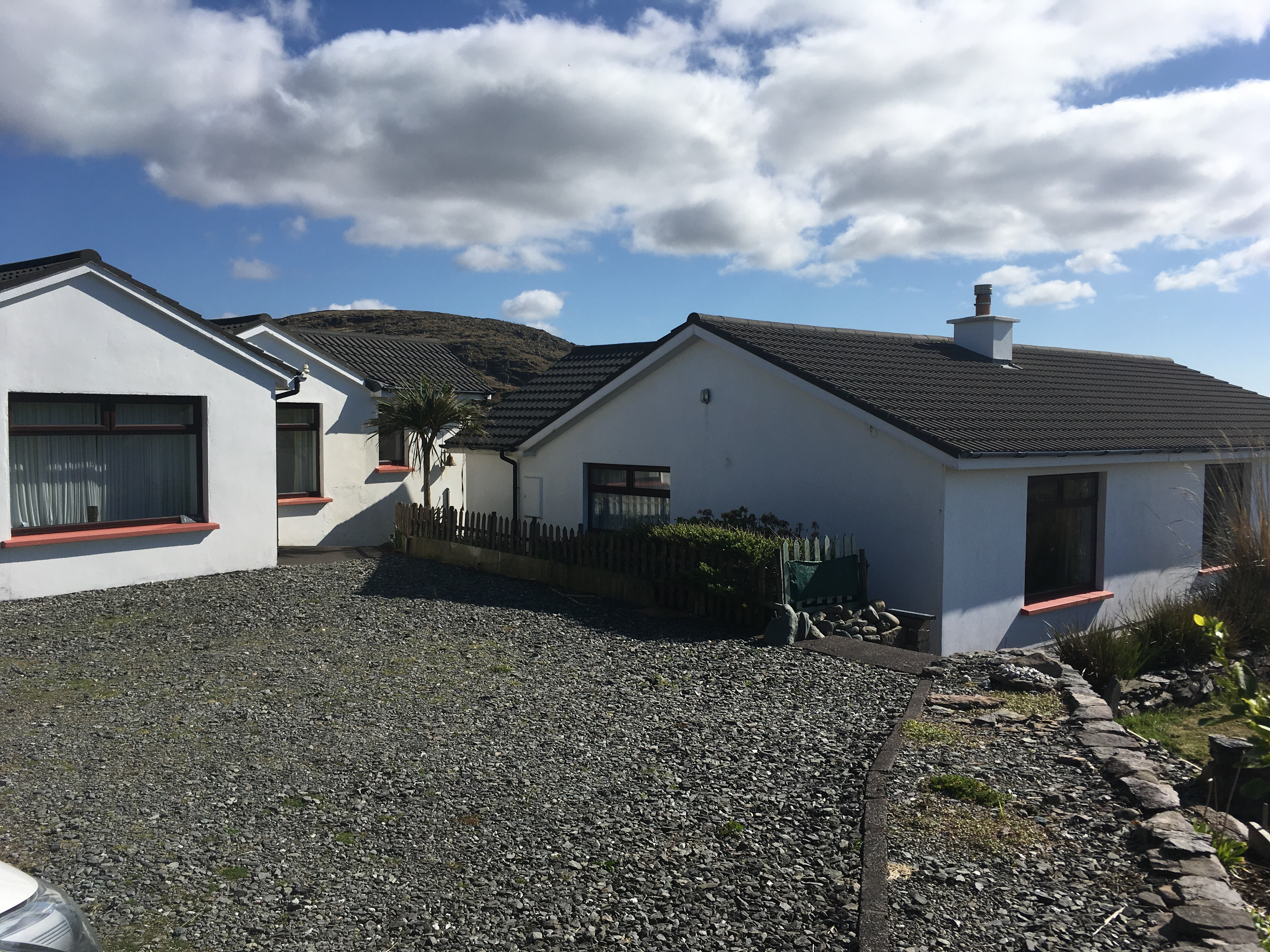 FOR SALE – Kimego West, Cuascrome, Caherciveen , Dwelling house and a detached Apartment