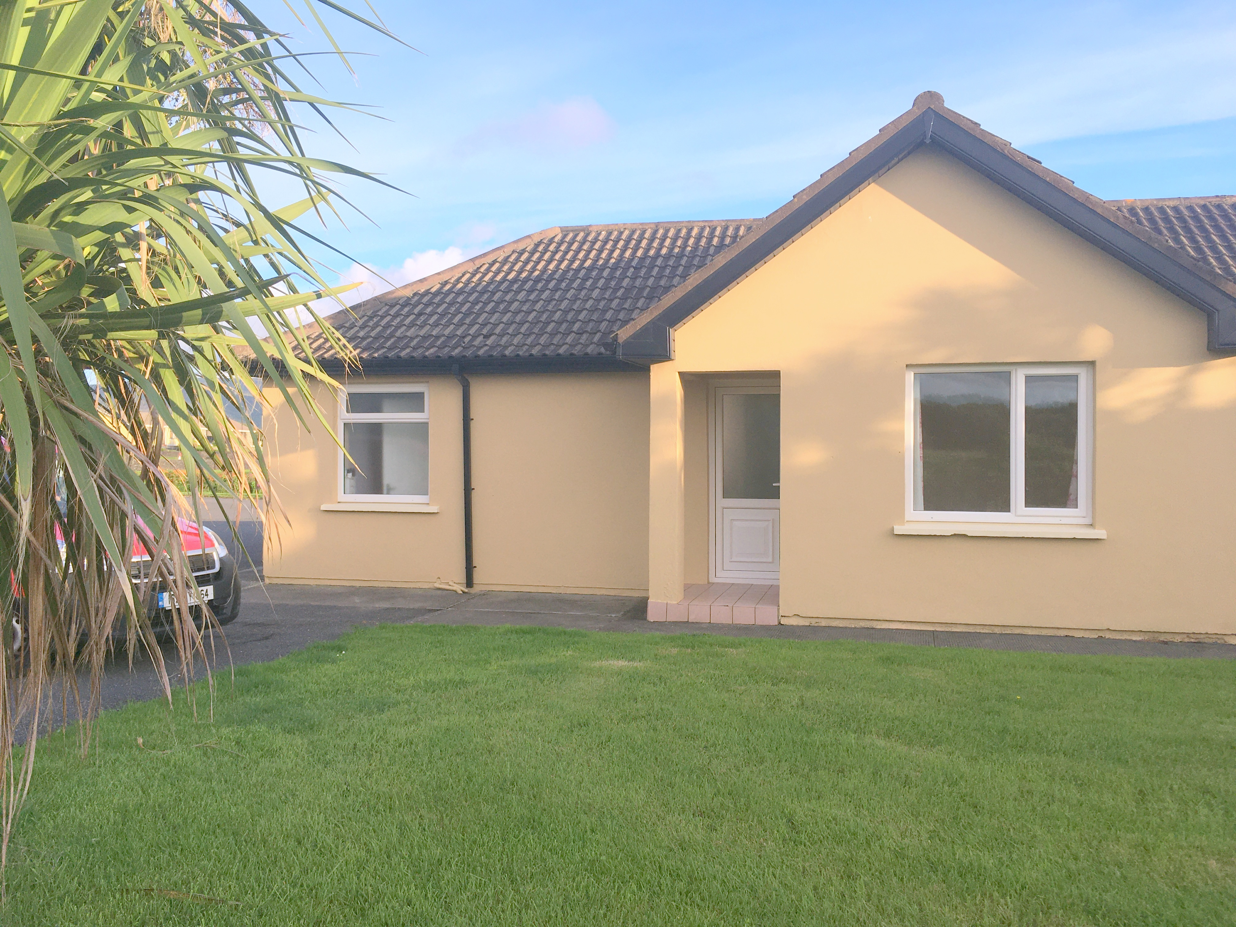 COTTAGE A ~ New Line Road Waterville V23 DN44